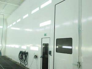Remplacement protection parois dans cabine de peinture